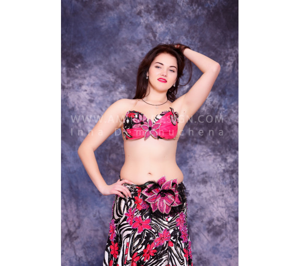 Professional bellydance costume (classic 32 a-used)